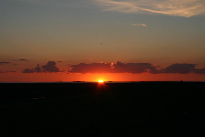 Sonnenuntergang bei der Hallig