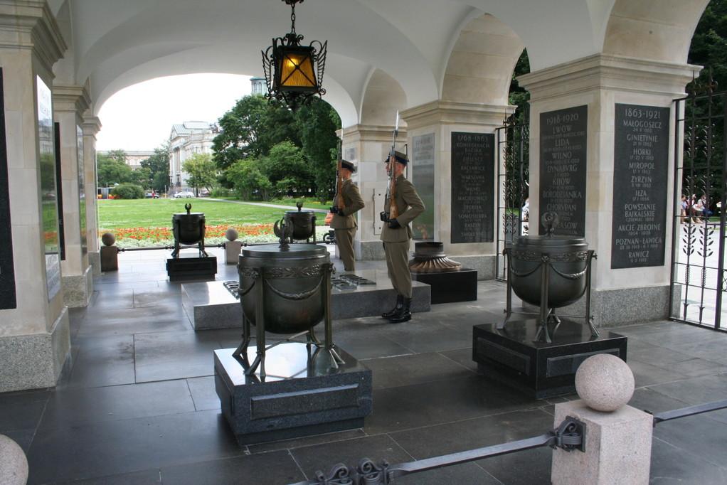 Wachen am Grabmal des unbekannten Soldaten