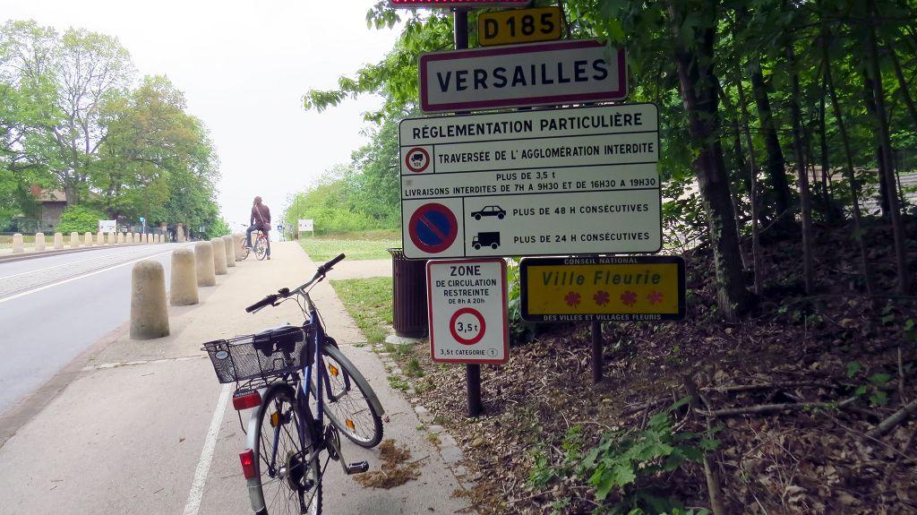 Mit dem Fahrrad zum Schloss...