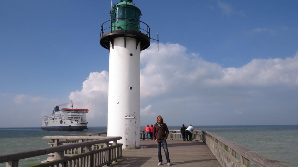 An Hafen und Strand...