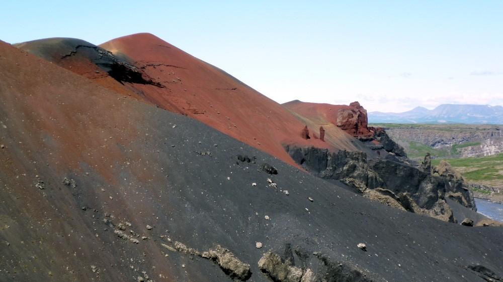 ...Islands farbenprächtigem Vulkan