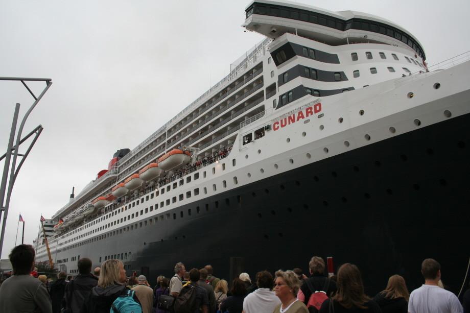 Ein Traumschiff mit 70 m Höhe