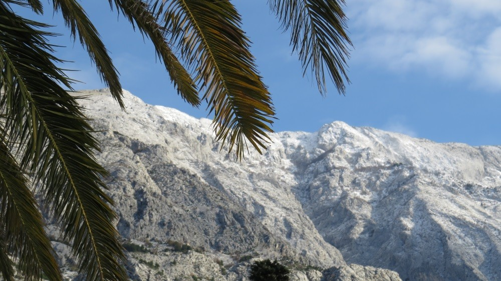 Schnee im Biokovo-Gebirge