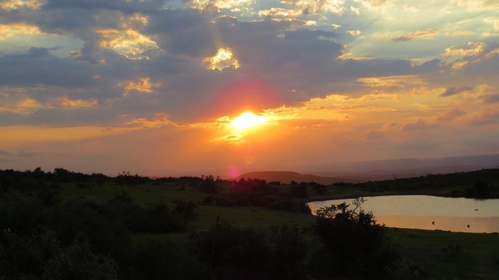 mit Sonnenuntergang verlassen wir den Nationalpark