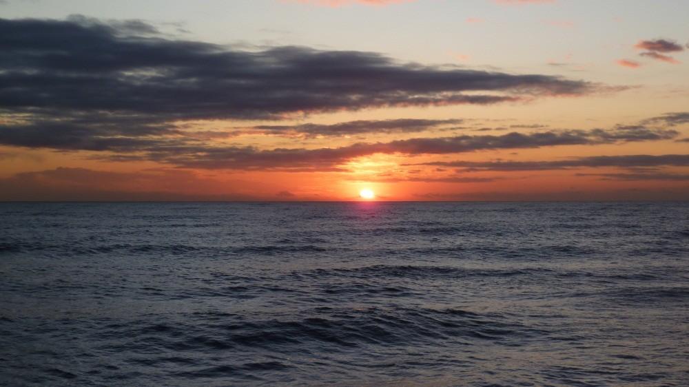 Wenn bei Pietrasanta die Sonne im Meer versinkt...