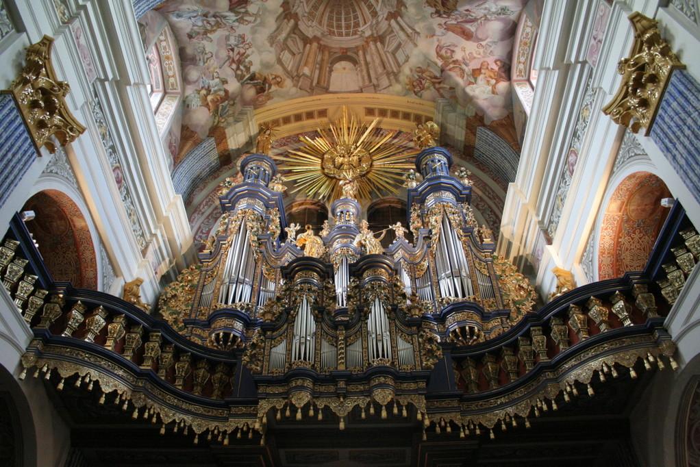 ...und auch die Orgel glänzt wieder.