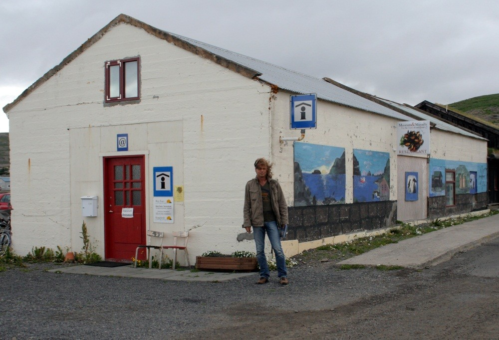 Erster Halt, die Touristeninfo in Holmavik