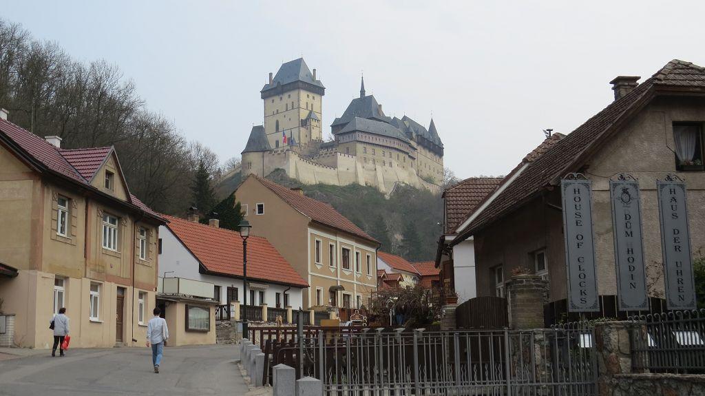 Karlsburg kurz vor Prag