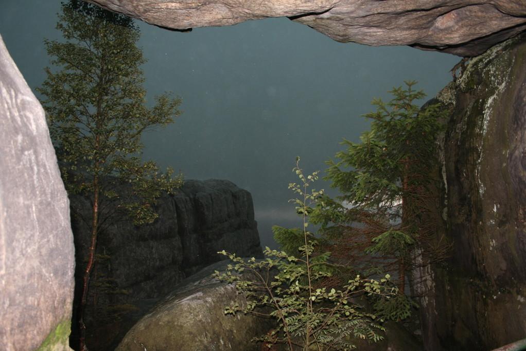 ...schnell in einer Höhle unterstellen.