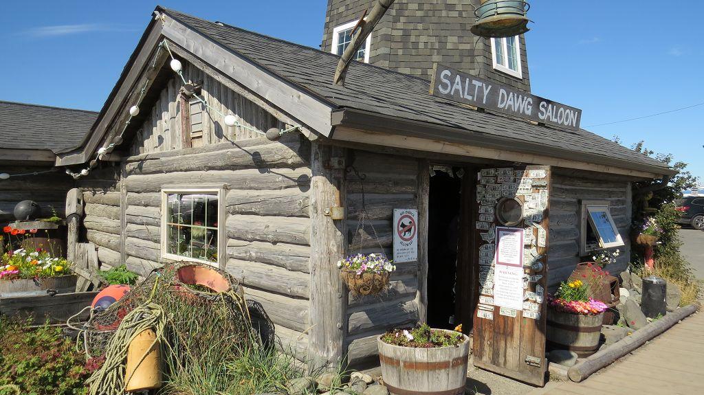 Salty Dawg Saloon von außen...