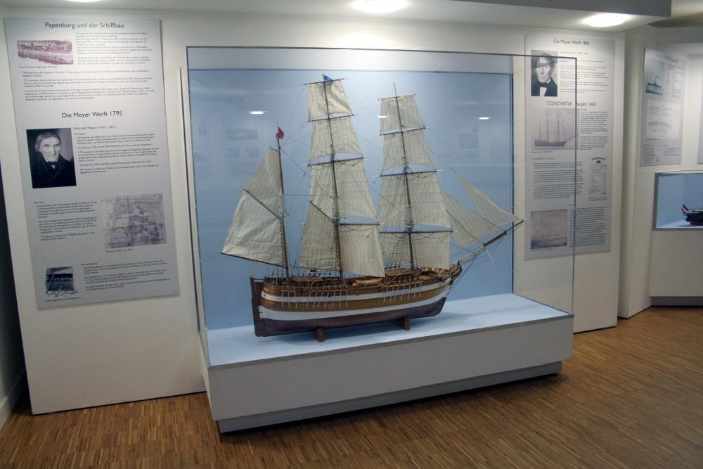 Das erste Holz-Schiff der Meyers...