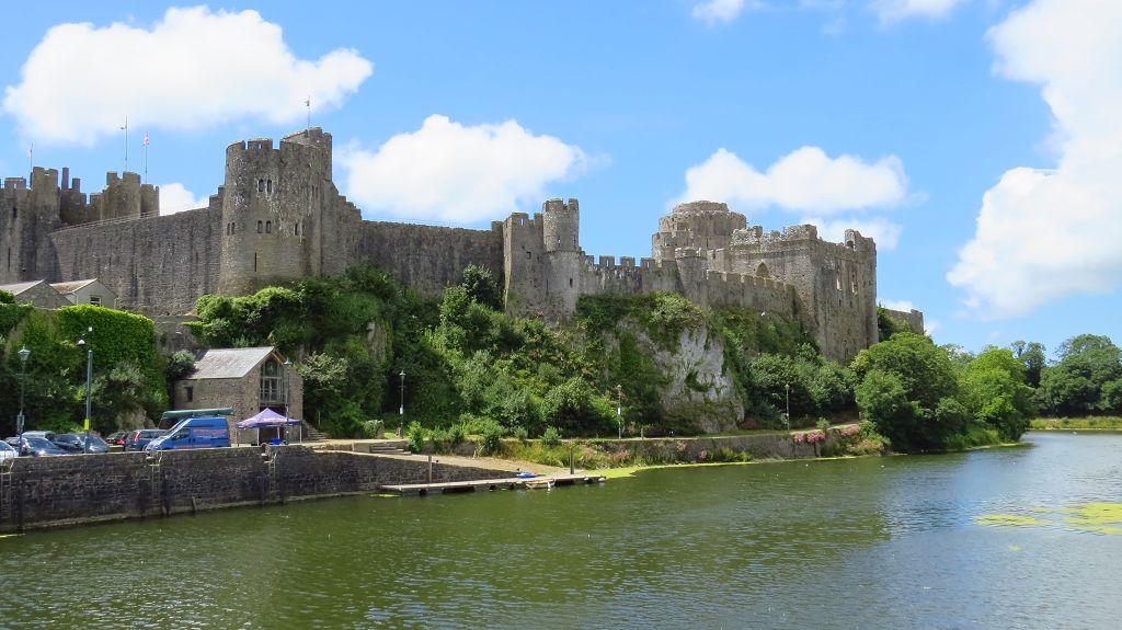 ...Pembroke  zum Castle