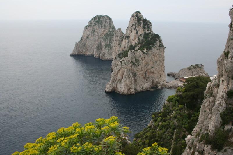 Capri, Faraglioni