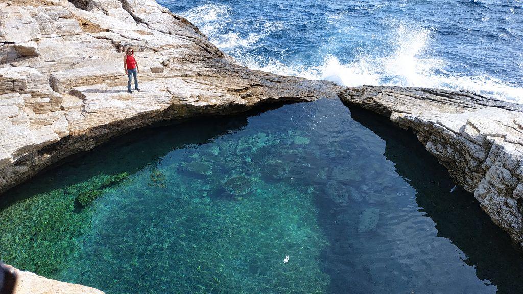 Giola, Naturschwimmbecken