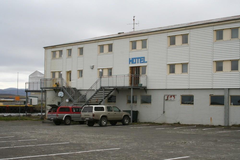 ...mit Hotel...