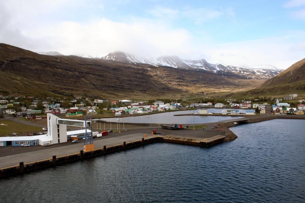 Der Hafen von Seydisfjördur