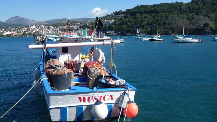 Am Hafen von Palinuro