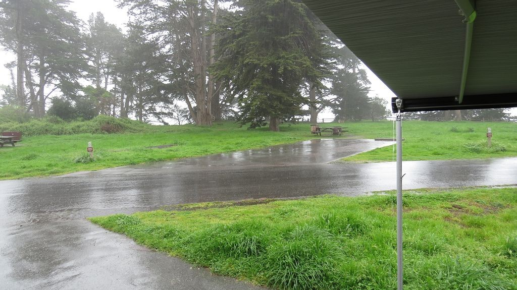 Es regnet schon den ganzen Tag