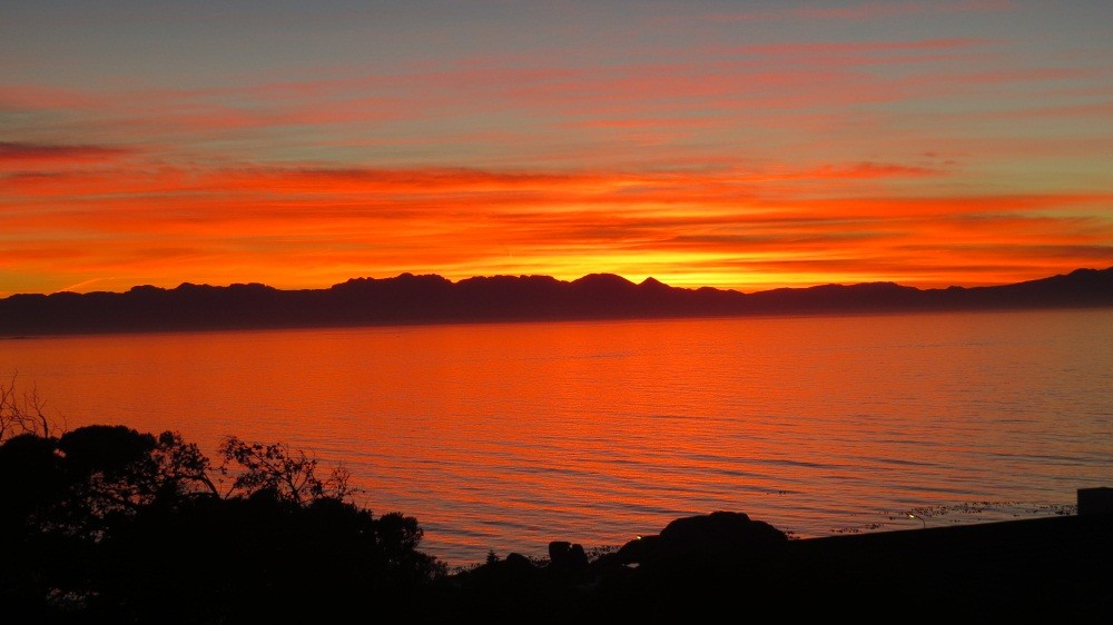 Sonnenaufgang über der False Bay