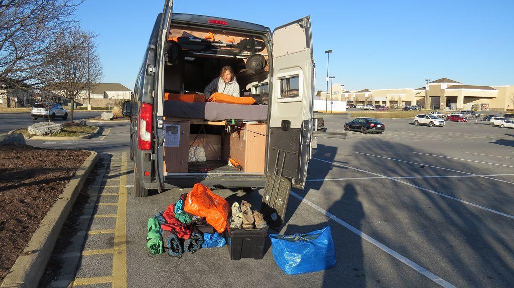Übernachtung bei Walmart und Kastenwagen vorbereiten