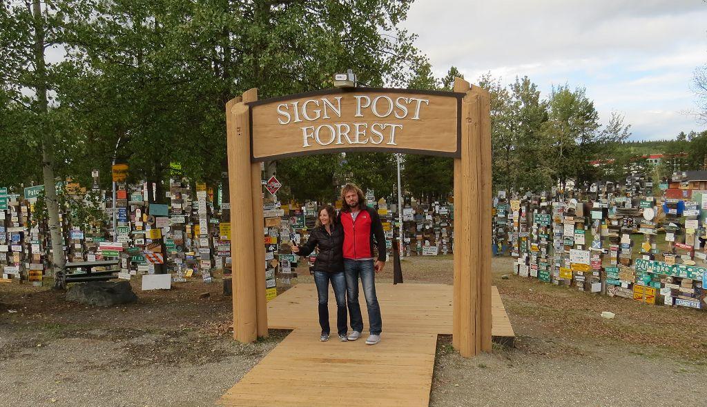 Im Sign Post Forest unser Kennzeichen festnageln