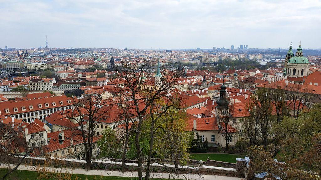 Blick vom Burgberg auf Prag