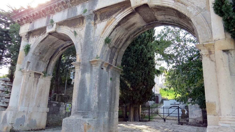 Porta Gemina