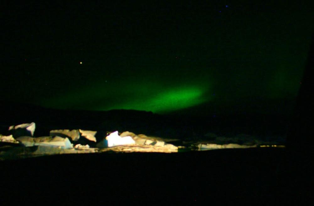 ...und wir dürfen nochmal Polarlichter bestaunen.