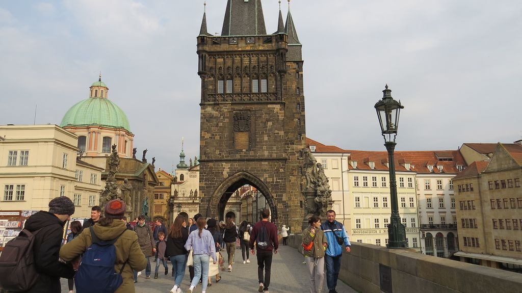 Über die Karlsbrücke...
