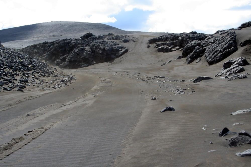 Sandpiste auf dem Weg zur Oase Hvannalindir