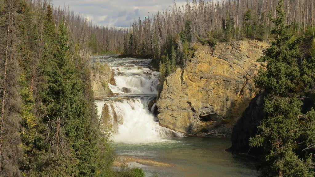 Smith-River-Falls