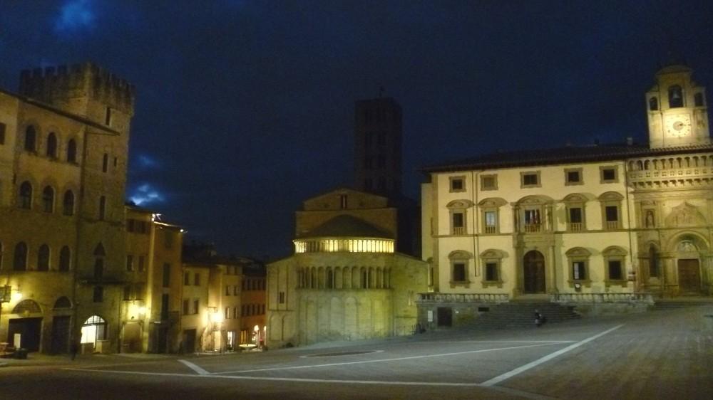 Die Piazza Grande bei Nacht...
