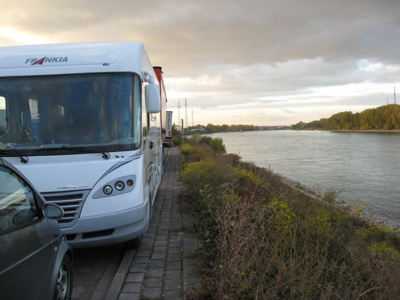 Am Rhein bei Worms