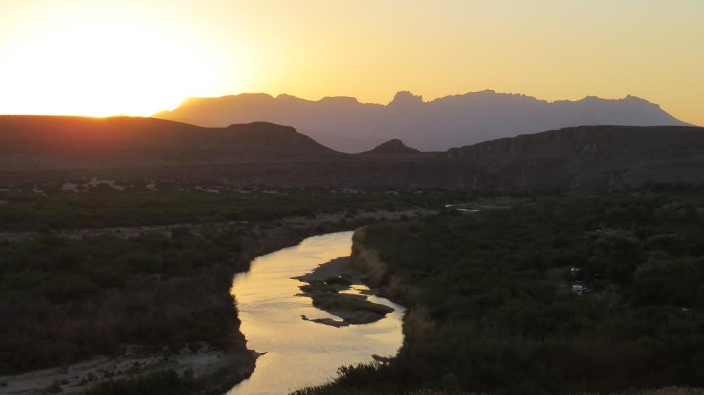 Sonnenuntergang am Rio Grande