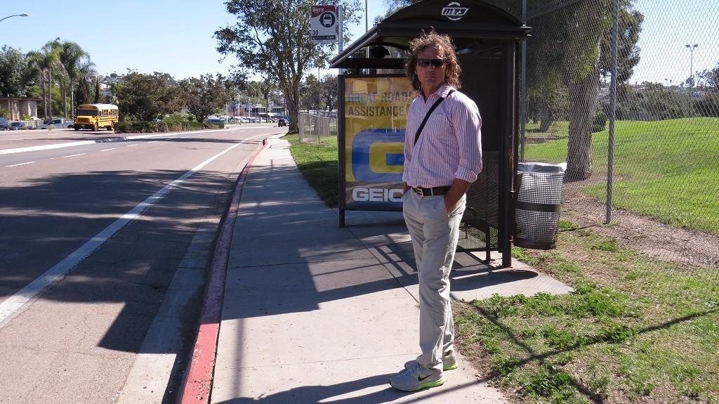 Warten auf den Bus (San Diego)