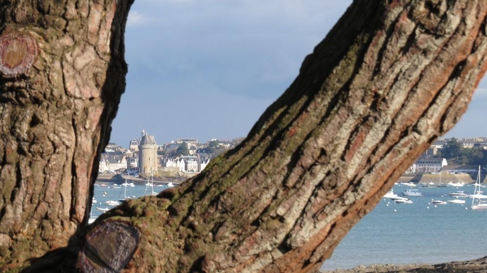 Blick von Dinard auf Saint Malo