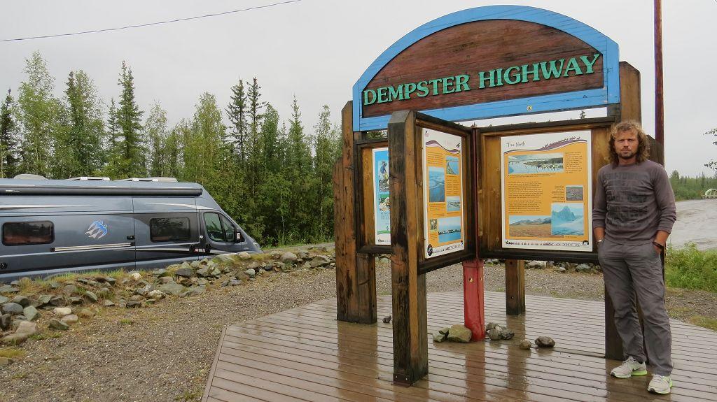 Der Dempster Highway liegt vor uns