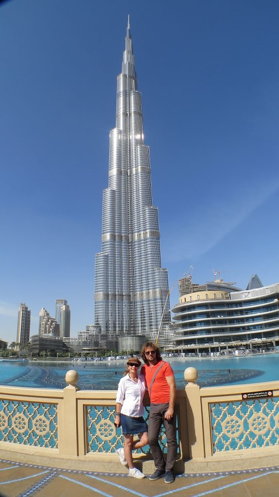 Burj Khalifa, mit 828 m das höchste Gebäude der Welt