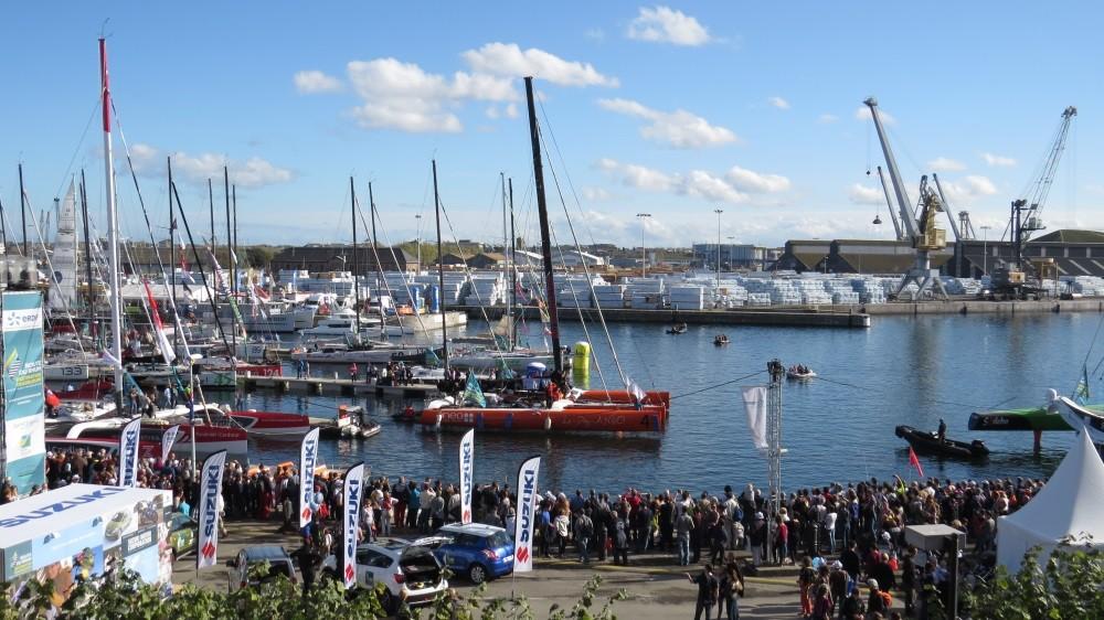 Die Boote verlassen den Hafen
