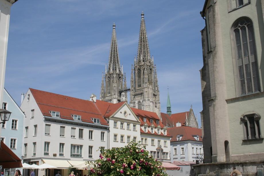 Blick zum Dom in Regensburg