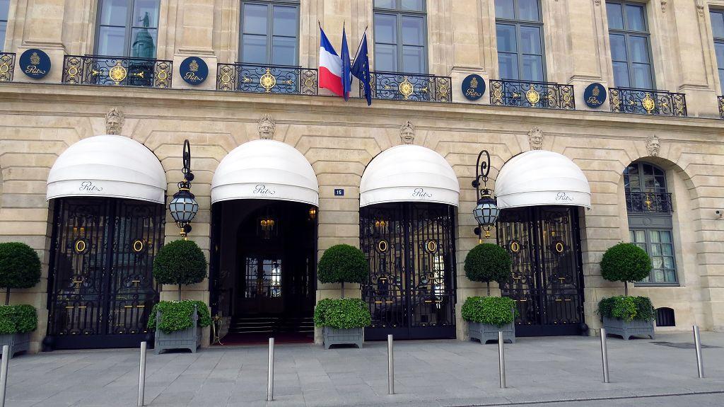 """...mit Hotel """"Ritz"""""""