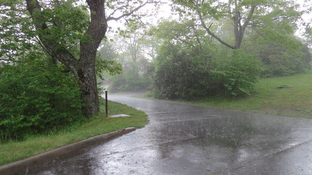16 Uhr...es regnet