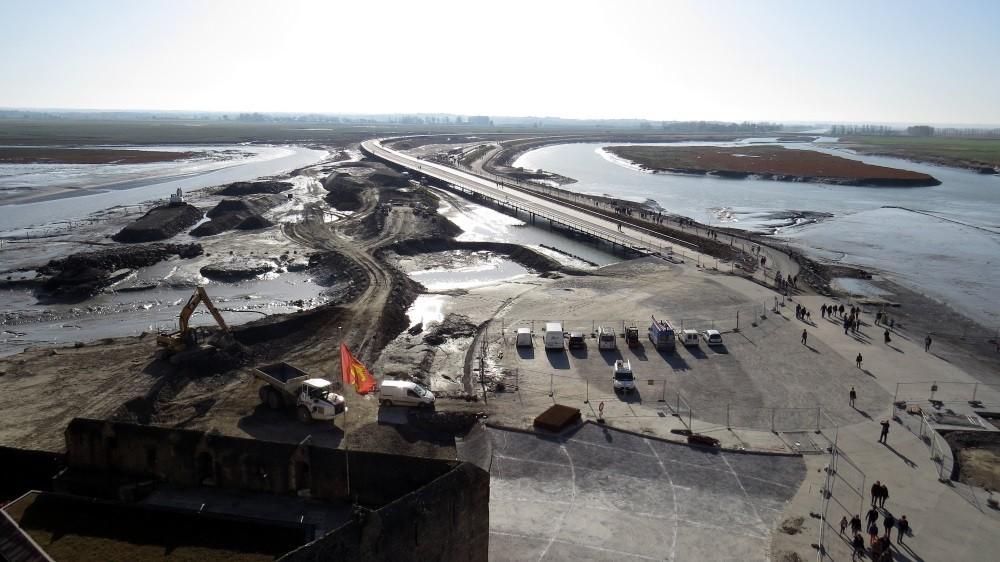 Die Arbeiten am neuen Damm