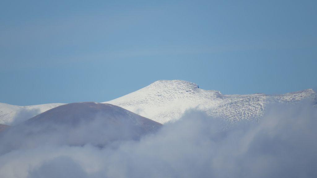 ...und dem verschneiten Gipfel des Olympos