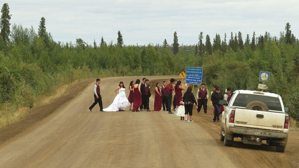 Hochzeitsgesellschaft auf der Piste