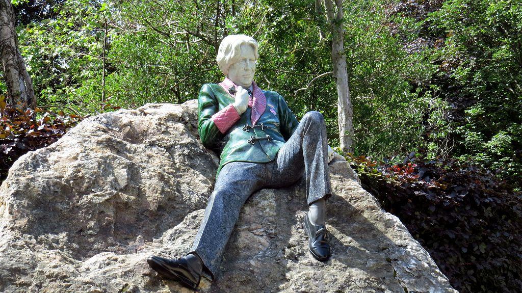 ...mit Oscar Wilde Memorial