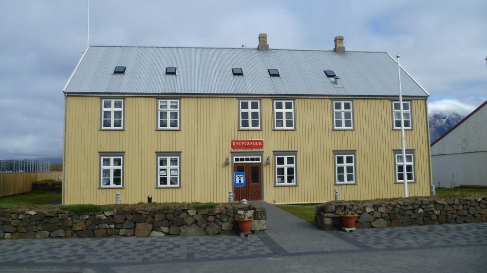 Unterwegs in Vopnafjördur (670 Einwohner)