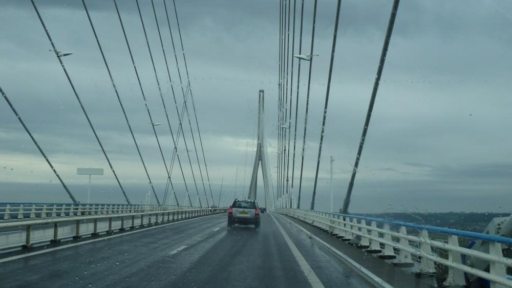 Weiter geht es über die Pont de Normandie