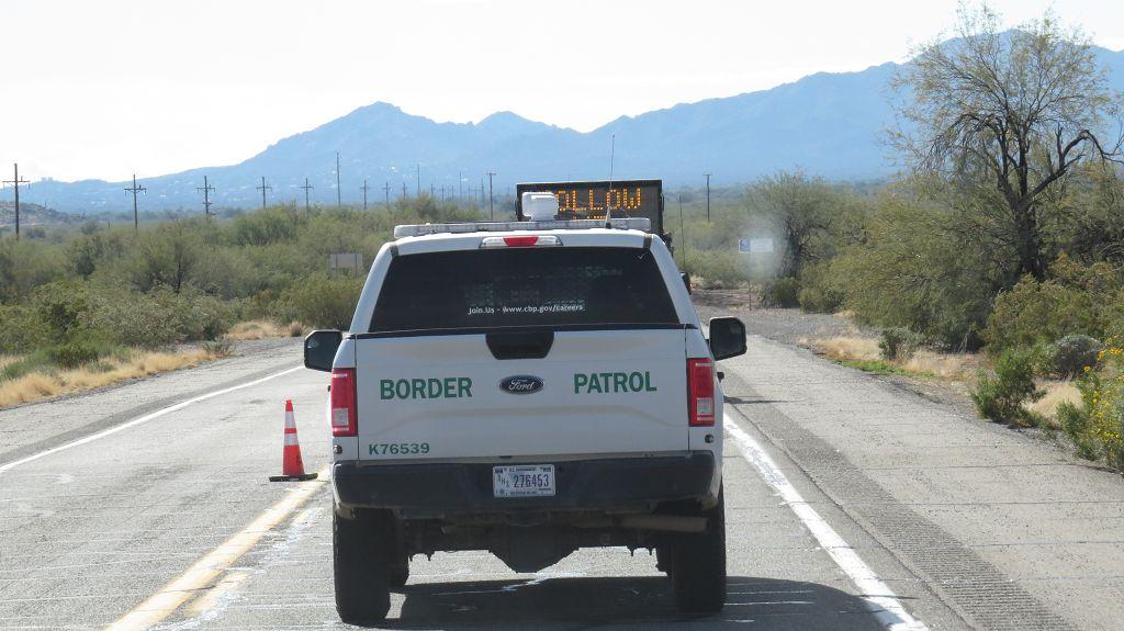 Border Control. Da müssen wir durch...