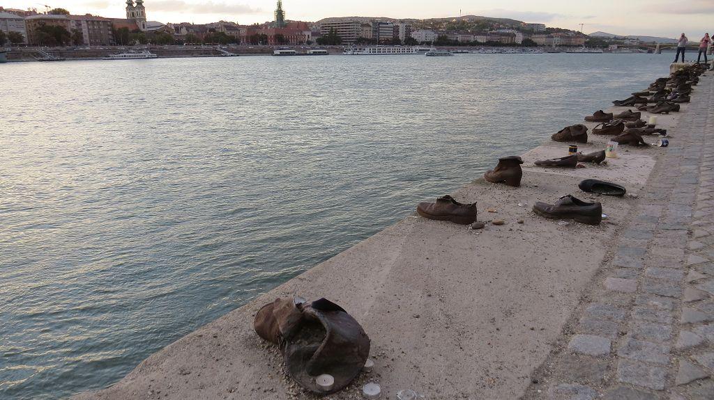 Die Schuhe am Donauufer erinnern an das Schicksal der Budapester Juden